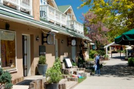 Taos City population 5716