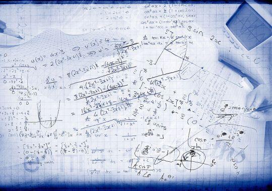 800px-Mathematics_concept_collage