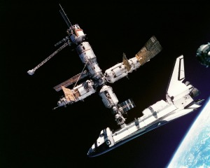 atlantis-space-shuttle-619890_1280