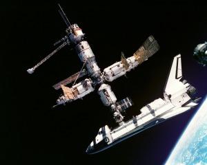 atlantis-space-shuttle-619890_1280