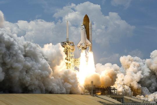 rocket-launch-67643_1280