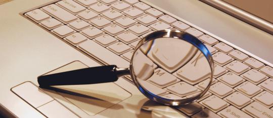 magnify-laptop