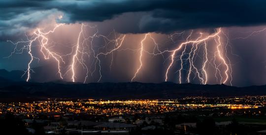 iStock-186538582 lightning